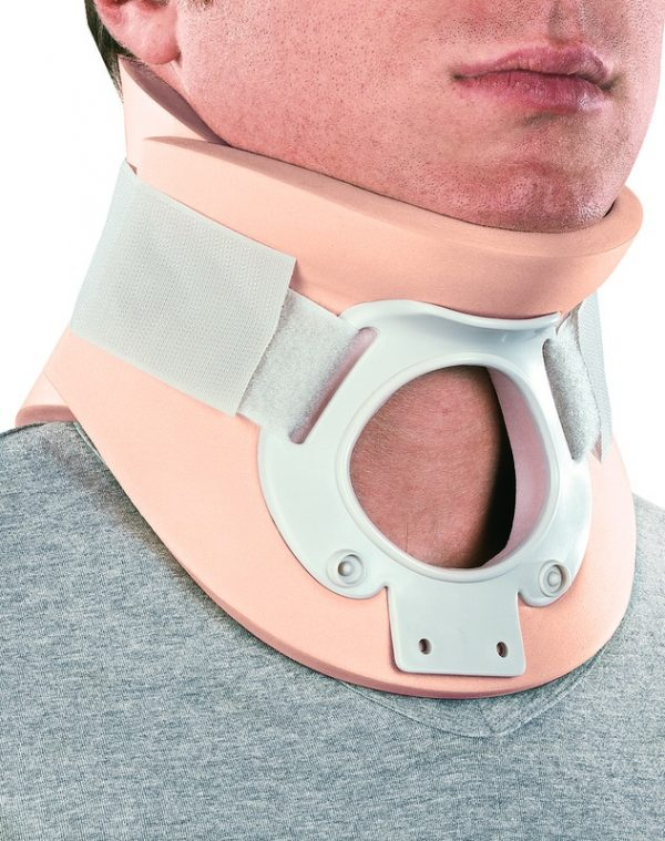 Two-shell cervical collar with trachea opening, CERVISTABLE